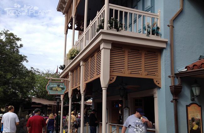 Dole Whip Disney World Adventureland   KidsOnAPlane.com #disneyfood #disneyworld #disneydiningplan