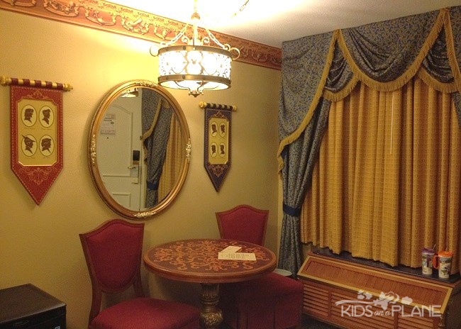 Port Orleans Riverside Resort Review Royal Guest Rooms | KidsOnAPlane.com #disneyworld #hotel